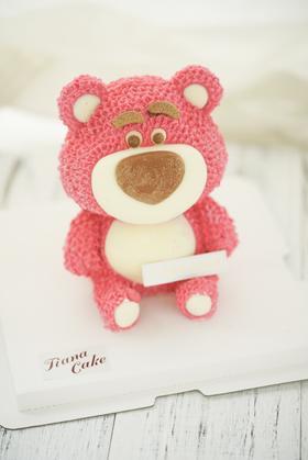 草莓熊 酸奶慕斯蛋糕