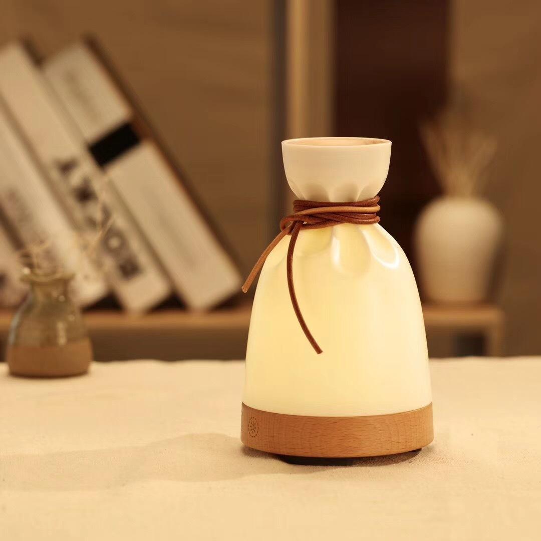 【原创设计】小布袋香薰机创意香薰灯实木加湿器灯氛围夜灯家用卧室台灯熏香机