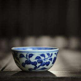 手绘青花瓷花果纹卧足杯鸡缸杯 景德镇手工陶瓷茶具茶杯