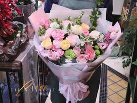 粉色系韩式混搭花束