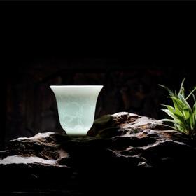 长物居 影青釉暗刻山水手握杯主人杯水杯 景德镇手工陶瓷茶杯茶具