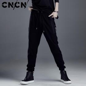 CNCN男装 春季黑色松紧腰休闲裤 弹力修身束脚裤男裤子CNDK19156