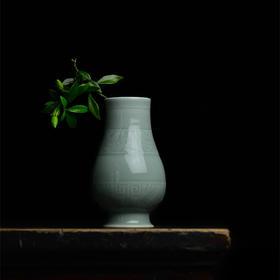 长物居 青釉瓷器小花瓶手工刻花 景德镇仿古陶瓷花瓶花插家居摆件
