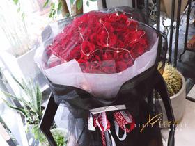 99朵A级红玫瑰神秘黑纱款