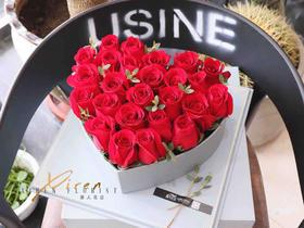 爱心款玫瑰礼盒