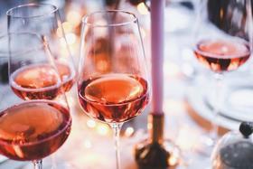 【上海】一瓶酒的钱 = 喝一下午的酒+听一小时段子+开心爆笑一整天