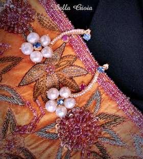 花瓣珍珠红宝耳钉