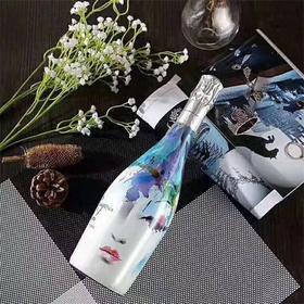 【浪漫约会 开启心动】意大利原瓶进口 彩绘瓶身 清新甜美 沁人心脾 蓝色妖姬莫斯卡托低醇气泡葡萄酒