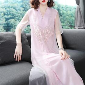 夏季新款女装V领绣花宽松五分袖气质A字中长款连衣裙TZ18105