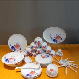 景德镇 56头釉中餐具