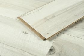 【住范儿 X 贝尔】芬兰白强化复合地板 6块/箱 限时特价 119 元/㎡
