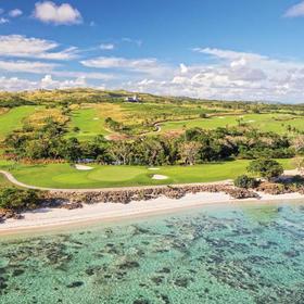 2.纳塔杜拉海湾高尔夫俱乐部 Natadola Bay Golf Course