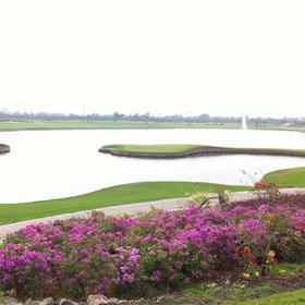 曼谷皇家珍宝城 The Royal Gems Golf City