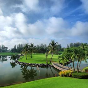 曼谷艾潘高尔夫俱乐部 Alpine Golf Club Bangkok