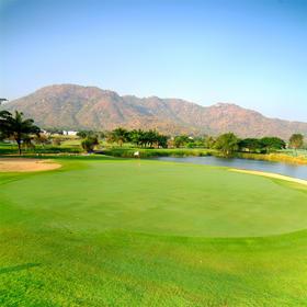 华欣棕榈山高尔夫俱乐部 PALM HILLS GOLF CLUB