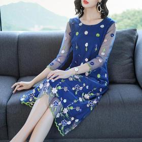 AHM05502wjym时尚气质刺绣连衣裙