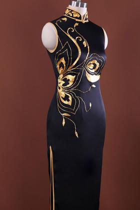 GX557803888195复古黑色金绣丝绸旗袍