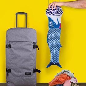 西班牙DOIY 创意文艺鲤鱼旗造型旅行李箱可挂脏衣袋收纳袋