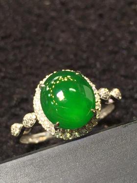 满色翡翠戒指
