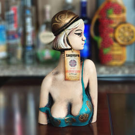 格鲁吉亚陶罐美女葡萄酒