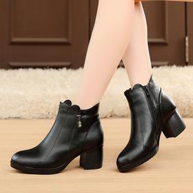 MLD1826欧美真皮粗跟尖头水钻秋冬防滑新款短靴