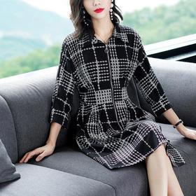 AHM08150wjym新款秋冬季时尚黑白格连衣裙