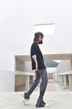 深灰色收口运动裤  设计师款