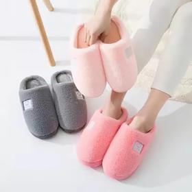 【像是踩在云朵上的棉拖鞋】环保鞋底加厚防水,PVC柔软大底防滑耐磨,舒适穿着体验