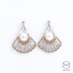 Momo's March   珍珠与长方钻 手工扇形耳环
