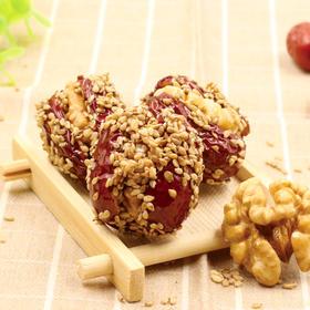 芝麻枣夹核桃 | 无核红枣 香酥芝麻 红枣的香甜加上芝麻  核桃的酥脆  一口吃下三重营养