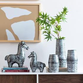 创意家居客厅插花花瓶酒柜装饰品陶瓷工艺品萌马摆件