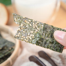 芝麻夹心海苔 | 鲜香酥脆 层层夹心 芝麻香搭配海苔 没有味精 口口脆爽  浓浓的海洋味道