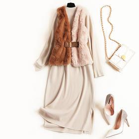 2018时尚套装冬季半高领裙摆开叉针织裙仿兔毛马甲中长裙套装8489