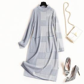 2018女装连衣裙冬季新款立领连肩袖对称口袋几何图案针织长裙8587