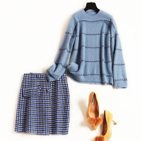 时尚套装2018冬季新款女装圆领仿水貂绒毛衣撞色格纹半裙套装8774