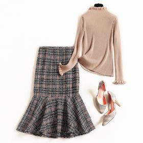 2018冬季新款打底裙套装女装时尚针织衫格纹毛呢包臀裙两件套8679