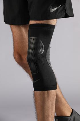 耐克HYPERSTRONG膝部保护套3.0