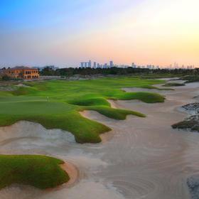阿布扎比沙迪耶特沙滩沙滩高尔夫俱乐部  Saadiyat Beach Golf Club