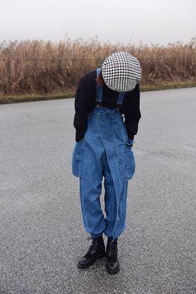 性感酷感兼具的工装风牛仔背带裤