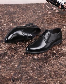 麦包包-英国Clous Krause 商务休闲尖头男鞋经典简约系带欧版光面软底潮流皮鞋单鞋