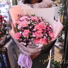 康乃馨温馨花束
