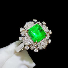 【D9010520】18k金镶祖母绿戒指 实物非常美