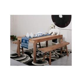 北欧实木餐桌
