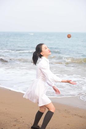 初恋朝气衬衫珍珠小白裙