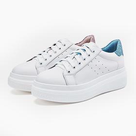 百丽·小白鞋∣一代鞋王,百搭又柔软,众多时尚达人都爱穿