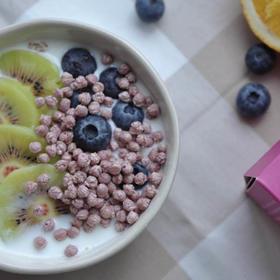 膨化藜麦:方便食用,全营养的健康早餐。