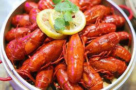 99元抢购4斤小龙虾!十三香、蒜泥、椒盐、臭豆腐小龙虾给你全新极致体验!
