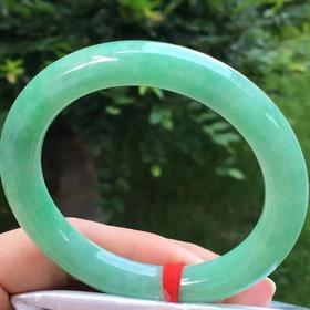 满绿圆条手镯