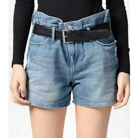 RA春夏新款牛仔短裤,杨幂同款,原代工厂正品,接受验货,接受鉴定,验不过包退!上身超好看,非常百搭,薄款面料,非常适合春夏穿,面料舒适柔软!尺码 XS S M L