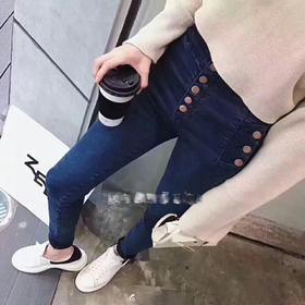 最爱Jbran*的牛仔裤 😍 保真货,价格标签也在!这一条还有一个好听的名字叫natasha,我猜一定是用哪个长腿女孩的名字命名的吧 25-28